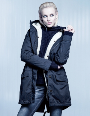 "GINTA GET'S COZY FOR H&M ""COOL DAYS"" CAMPAIGN"