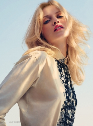 GINTA FOLLOWS THE SUN - Harper's Bazaar UK January 2014